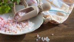 Cómo hacer limpieza con sal