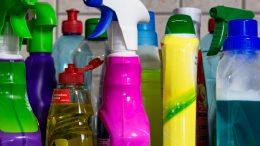 Qué productos de limpieza son dañinos para el medio ambiente