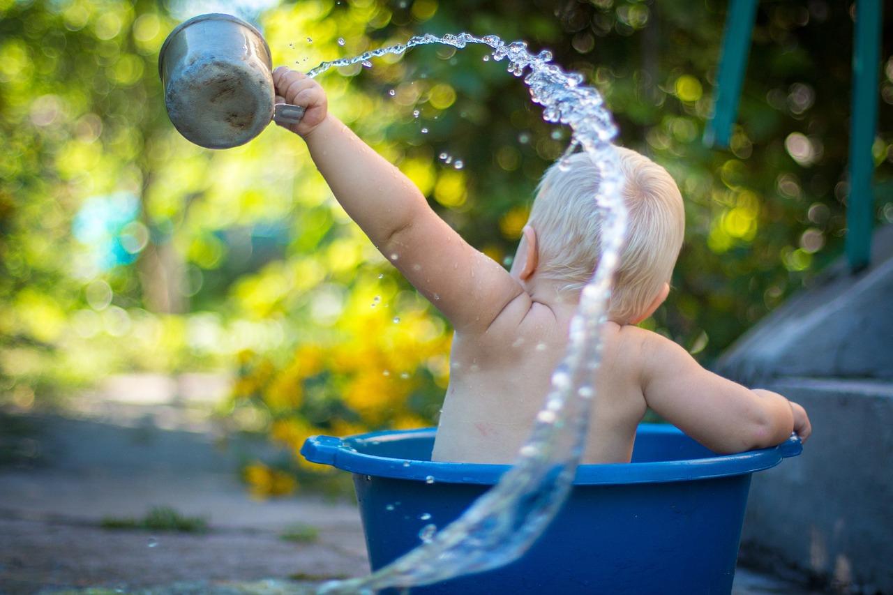 Agua que se consume en un hogar típico